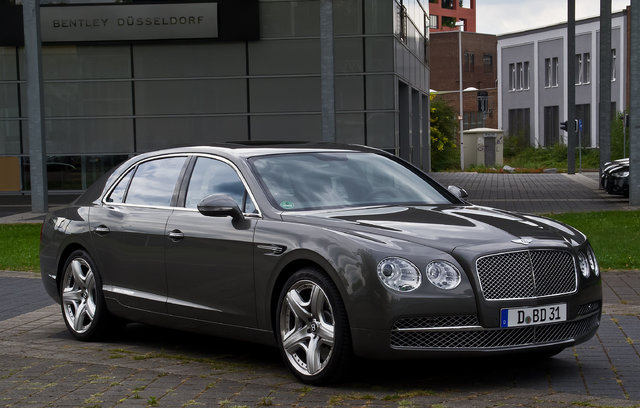 Bentley Flying Spur (4W)