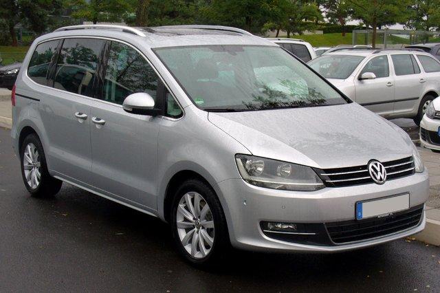 VW Sharan (7N)
